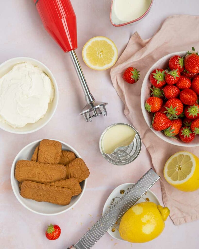 cheesecake ijs met aardbeien